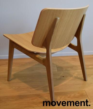 Loungestol i eik fra Magnus Olesen, modell Freya Lounge 4731, Design: Says Who, pent brukt bilde 3
