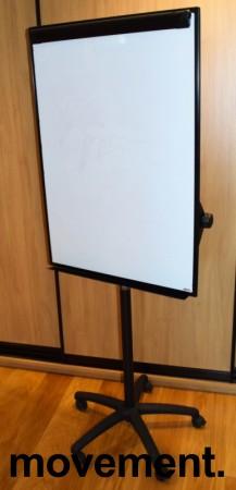 Flipovertavle med whiteboard, på hjul fra Staples, pent brukt bilde 1