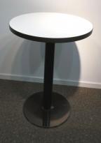 Rundt loungebord / sidebord i hvitt med sort kant / sort, Ø=80cm, H=74cm, pent brukt