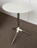 Loungebord / sofabord / kaffebord i hvitt glass / krom fra Materia, modell Obilite, Ø=47cm, pent brukt