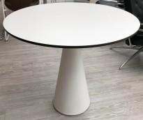 Rundt loungebord / kaffebord i hvitt fra Materia, modell Cone, Ø=80cm H=71cm, pent brukt