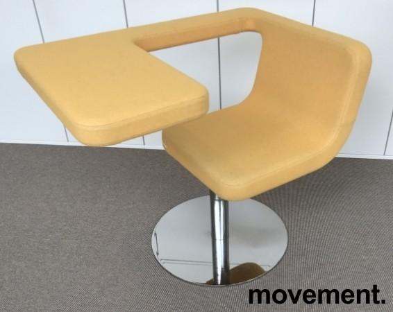 Loungestol / laptopstol fra Materia, modell Clip, i gult stoff, 64cm bredde, pent brukt bilde 1
