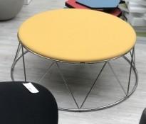 Rund, stor sittepuff i gult stoff / krom fra Materia, Elephant-serie, Ø=120cm H=43cm, pent brukt