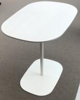 Skandiform Matsumoto loungebord i hvitt, 80x55 cm, understell i hvitt, 73cm høyde, pent brukt
