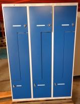 Garderobeskap i stål med Z-dører i lys grå / blå dører, 6 rom. 120cm bredde, 55cm dybde, 174cm høyde, pent brukt