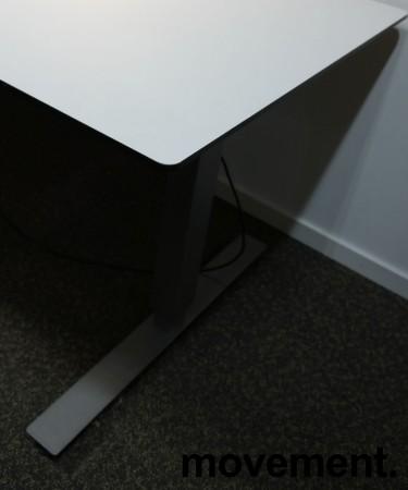 Skrivebord med elektrisk hevsenk i hvitt / grått fra EFG, 200x120cm, venstreløsning, pent brukt bilde 3