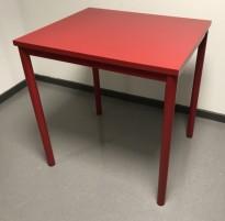 Lite avlastningsbord med plate og understell i rød farge, 70x60x72,5cm, Kinnarps Origo, pent brukt