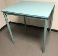 Lite avlastningsbord med plate og understell i turkis farge, 70x60x72,5cm, Kinnarps Origo, pent brukt