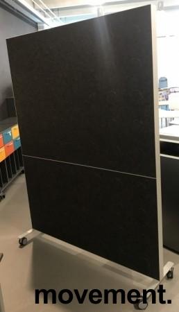 Frittstående skillevegg på hjul, whiteboard på ene siden, 146,5cm b x 200,5cm h, pent brukt bilde 2
