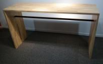 Ståbord / barbord i heltre eik, 160x50cm, 90cm høyde, pent brukt