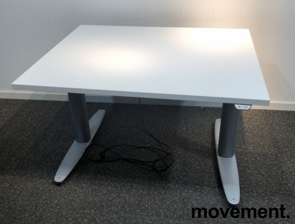 Kinnarps T-serie kompakt elektrisk hevsenk skrivebord 100x80cm i hvitt, pent brukt understell med ny plate bilde 1