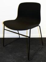Konferansestol fra Hay, modell AAC (About a chair) i gråsort remix, vanger i sort, pent brukt