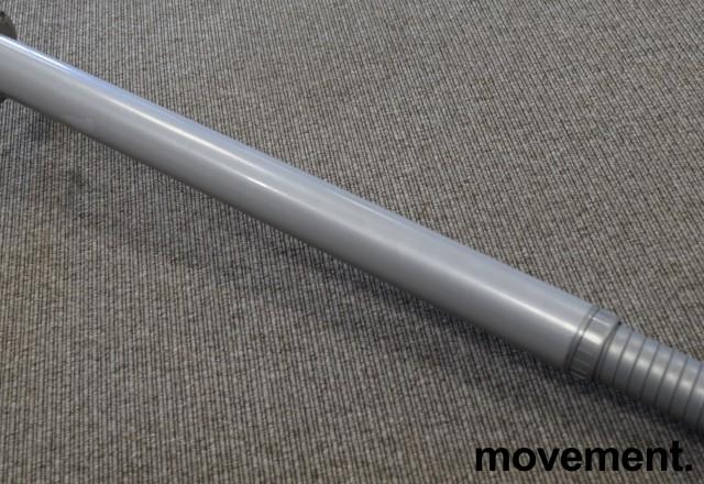 Grålakkert bordben i metall fra Camar til skrivebord, justerbar høyde, 63-78cm, pent brukt bilde 2
