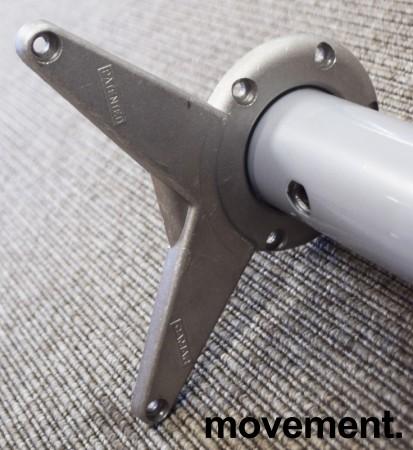 Grålakkert bordben i metall fra Camar til skrivebord, justerbar høyde, 63-78cm, pent brukt bilde 3