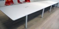 Stort, WorKit møtebord fra Vitra i hvitt, 700x160cm, passer 22-26 personer, pent brukt