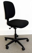 Kontorstol: Savo Eos / Euros 50 i sort stoff, sort fotkryss, pent brukt
