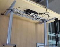 Understell for skrivebord med elektrisk hevsenk fra Svenheim, passer plater 120cm eller større, pent brukt