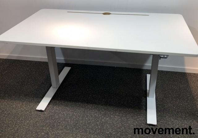 Skrivebord med elektrisk hevsenk i hvitt fra Horreds, 140x80cm, pent brukt bilde 2