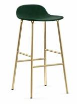 Lekker barkrakk i grønn velour / messing fra Normann Copenhagen, modell Form, sittehøyde 75cm, pent brukt