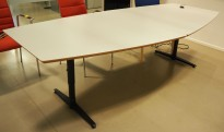 Møtebord / konferansebord i lys grå / sort fra Edsbyn, 240x113cm, passer 8-10 personer, pent brukt