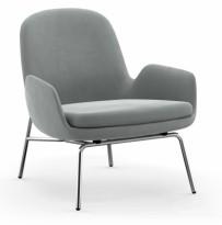 Loungestol / lenestol i grått velourstoff / krom fra Normann Copenhagen, modell Era loungechair low, pent brukt