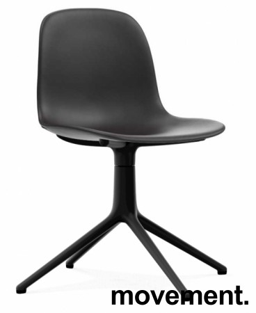 Konferansestol / møteromsstol i sort skinn / sort fra Normann Copenhagen, modell Form Swing, pent brukt bilde 1