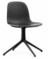 Konferansestol / møteromsstol i sort skinn / sort fra Normann Copenhagen, modell Form Swing, pent brukt