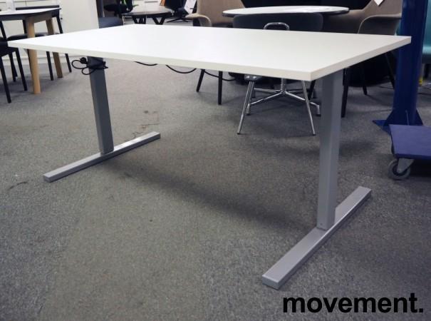Skrivebord med elektrisk hevsenk i hvitt / grått fra Linak, 160x80cm, pent brukt bilde 1