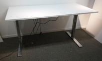 Skrivebord med elektrisk hevsenk i hvitt / krom fra Edsbyn, 160x80cm, pent brukt