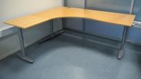 Kinnarps hjørneløsning skrivebord i bøk, venstreløsning, 200x180cm, T-serie, pent brukt