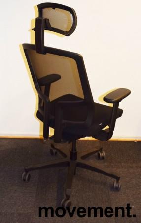 EFG One Sync kontorstol i sort stoff / rygg i sort mesh, nakkepute og armlene, pent brukt bilde 2