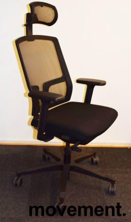 EFG One Sync kontorstol i sort stoff / rygg i sort mesh, nakkepute og armlene, pent brukt bilde 1