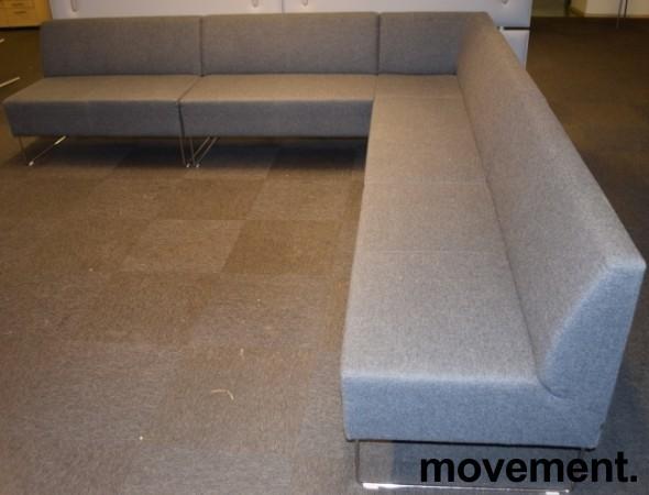 VAD Pivot hjørnesofa 4+4seter i grå ullfilt, bredde 294x294cm, pent brukt bilde 4