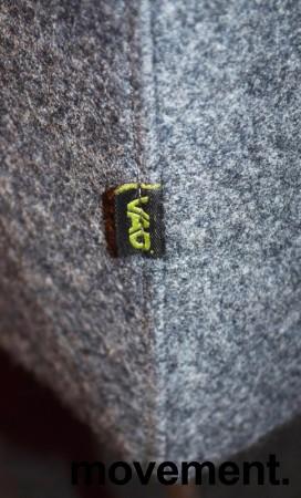 VAD Pivot hjørnesofa 4+4seter i grå ullfilt, bredde 294x294cm, pent brukt bilde 5