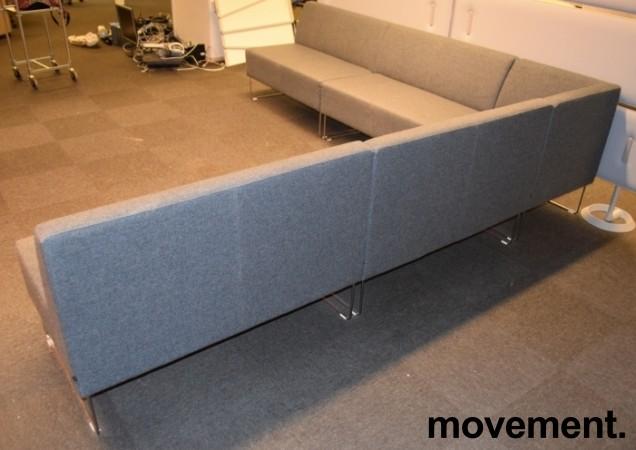 VAD Pivot hjørnesofa 4+4seter i grå ullfilt, bredde 294x294cm, pent brukt bilde 3