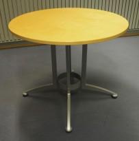 Rundt møtebord / kantinebord i bjerk / grå fra Kinnarps, modell Asto, Ø=90cm, H=73cm, pent brukt