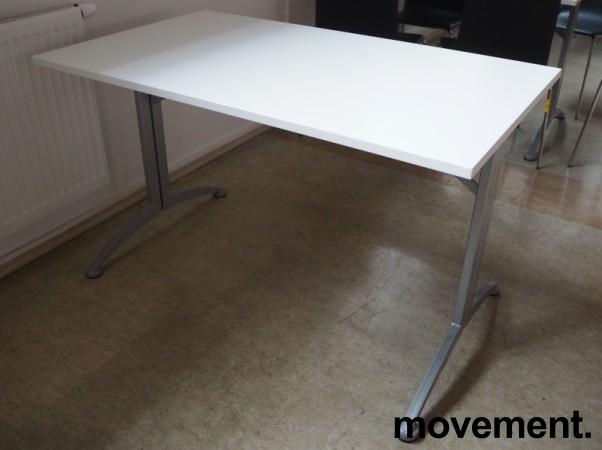 Kinnarps skrivebord / kantinebord i hvitt / grått, 120x70cm, pent brukt bilde 2