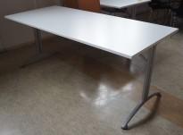 Kinnarps skrivebord / kantinebord i hvitt / grått, 180x80cm, pent brukt