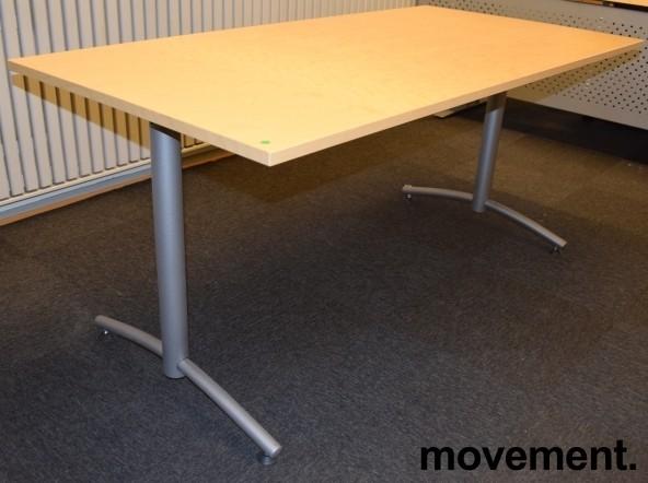 Kompakt møtebord fra EFG, 160x80cm, Avec-serie, Bjerk bordplate, passer 4 pers, 72cm h, pent brukt bilde 2