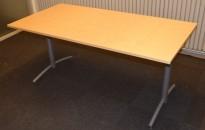 Kompakt møtebord fra EFG, 160x80cm, Avec-serie, Bjerk bordplate, passer 4 pers, 72cm h, pent brukt