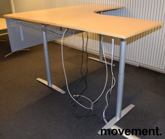 Skrivebord hjørneløsning med el. hevsenk, bjerk bordplater, 200x200cm, pent brukt bilde 3