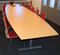 Stort møtebord fra EFG, 480x120cm, Izi Effect serie, bjerk / grått understell, passer 16-18pers, pent brukt