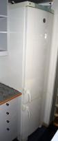 Kjøleskap / kombiskap fra Electrolux i hvitt, modell ERE3900, 200cm høyde, pent brukt