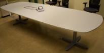 Kinnarps T-serie møtebord / konferansebord i lys grå, 360x120cm, passer 12-14personer, pent brukt