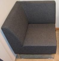 Loungesofa: VAD Pivot Hjørnemodul til sofa i mørkegrått stoff, 68x68cm, pent brukt