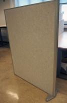 Skillevegg i lys grå ullfilt fra EFG, EFG Room, 123x157cm, pent brukt