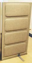 Skillevegg fra Kinnarps, modell Rezon i lysegrå melert ullfilt, 80cm bredde, 145cm høyde, pent brukt