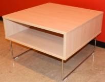 Sofabord / loungebord fra VAD i bjerk/krom, Pivot-serie, 64x64x43cm, pent brukt