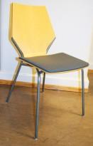 Konferansestol / kantinestol fra EFG, bjerk skall, grått stoffsete, grå ramme, pent brukt