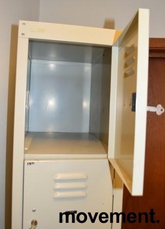 Retro garderobeskap i grålakkert stål, lukeskap med 5 låsbare luker, pent brukt bilde 3